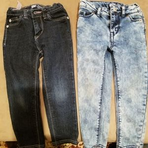 Lot of toddler girl levis Jeans